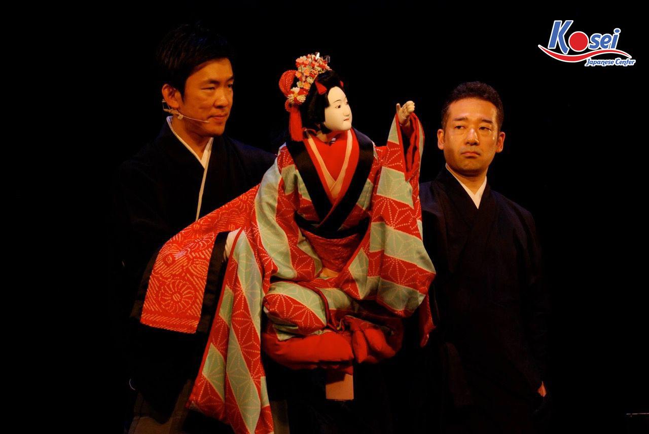 Nghệ thuật kịch muá rối Bunraku ở Nhật Bản có giống Việt Nam?