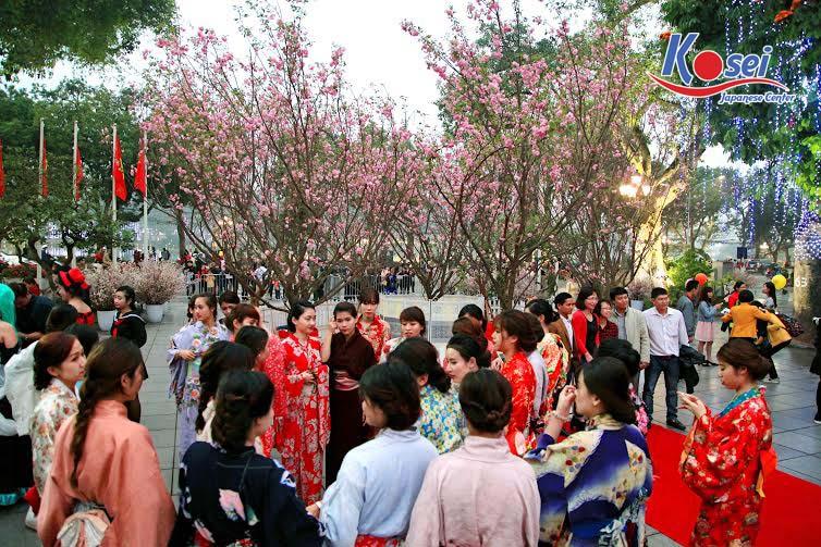 lễ hội hoa anh đào ở hà nội