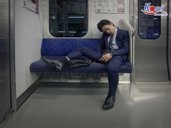 Chuyện lạ có thật: Ngủ gật là một nét văn hóa đáng khen ở Nhật Bản