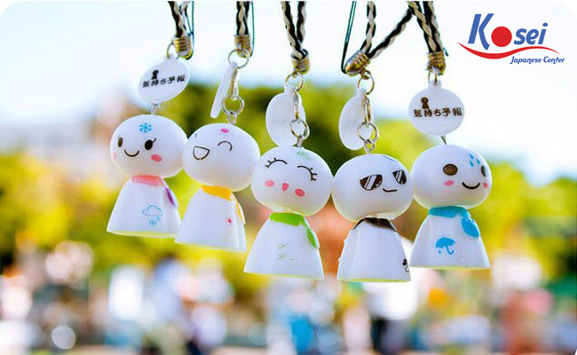 búp bê cầu mưa của Nhật Bản