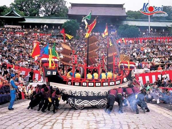 Mãn nhãn với lễ hội Nagasaki Kunchi tháng 10 tại Nhật Bản, ngập tràn màu sắc văn hóa thú vị